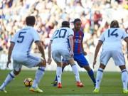 """Bóng đá - Ronaldinho diễn """"ảo thuật"""", huyền thoại MU hóa """"trẻ con"""""""