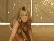 Phim - Xem cảnh nóng tưởng nữ sinh, đến khi biết tuổi thật mới ngã ngửa