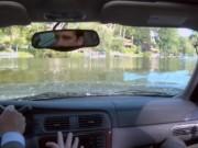 Tư vấn - Quá tin vào GPS, lao thẳng xe xuống hồ
