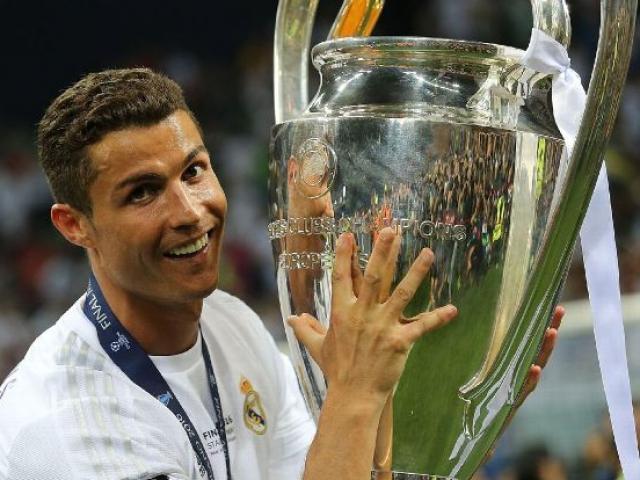"""Ronaldo đổi ý ở lại Real: Vì các con, vì """"Bố già"""" Perez"""