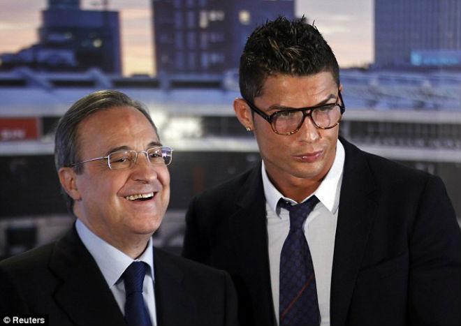 """Ronaldo đổi ý ở lại Real: Vì các con, vì """"Bố già"""" Perez - 2"""