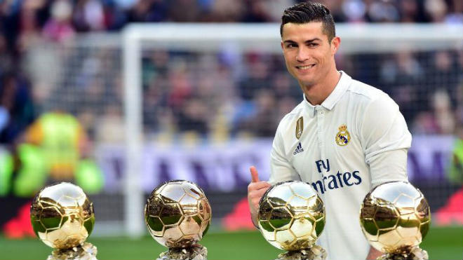 """Ronaldo đổi ý ở lại Real: Vì các con, vì """"Bố già"""" Perez - 3"""