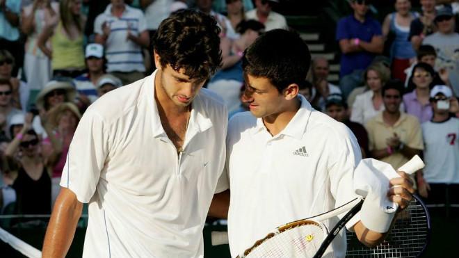 """Wimbledon: Vừa đoạt cúp, Djokovic """"bái sư"""" chuyên gia tài chính - 2"""
