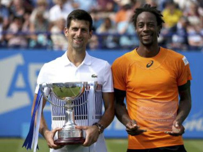 """Wimbledon: Vừa đoạt cúp, Djokovic """"bái sư"""" chuyên gia tài chính - 1"""