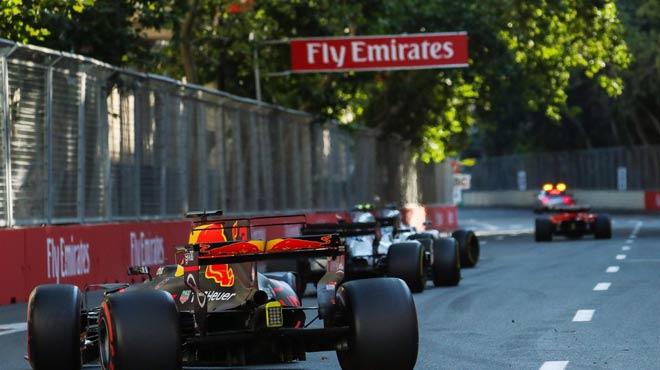 """Đua xe F1: Chuyện không tưởng của """"bò húc"""" tại xứ Baku - 2"""