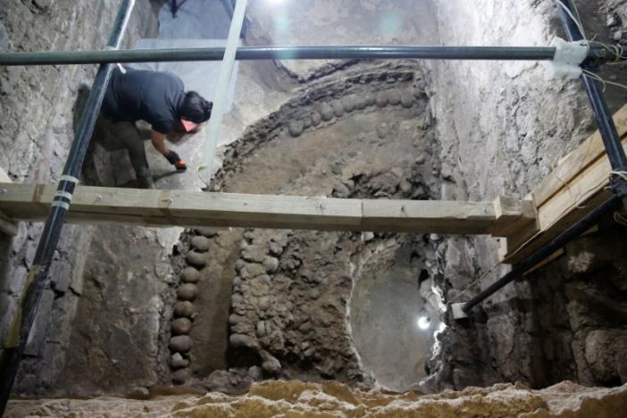 Phát hiện 675 sọ người xếp thành tháp ở Mexico - 4
