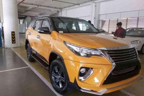 Biến Toyota Fortuner thành 'xế sang' Lexus chỉ với 70 triệu đồng - 1
