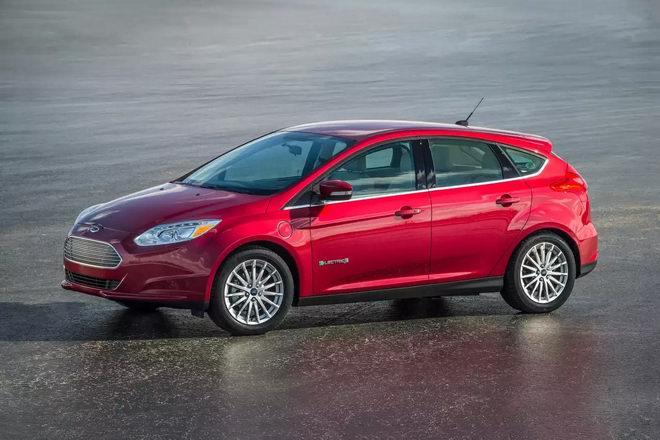 Doanh số tụt dốc, Ford Focus bị ngưng sản xuất - 2