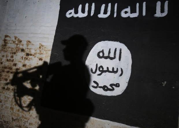 Bước đường cùng, lính Anh dìm chết quân IS bằng tay không - 3