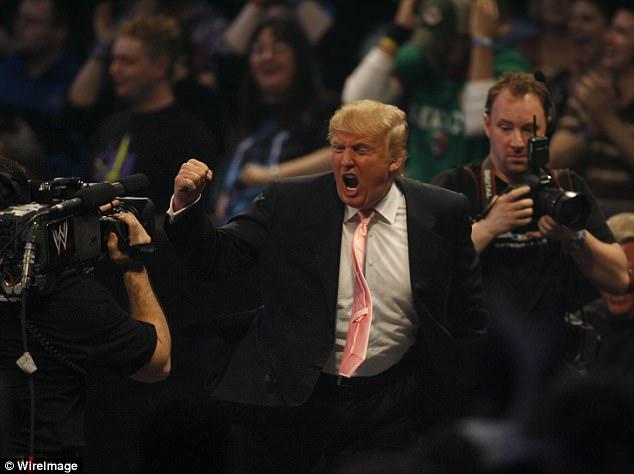 Ông Trump tự đăng video đấm túi bụi… đài CNN - 1
