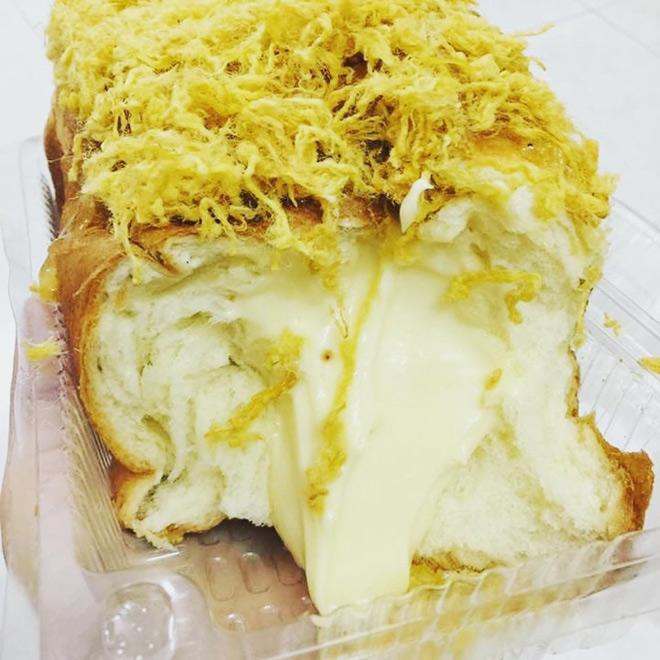Quên bông lan trứng muối đi, bánh mì phô mai mới là 'cực phẩm' - 6