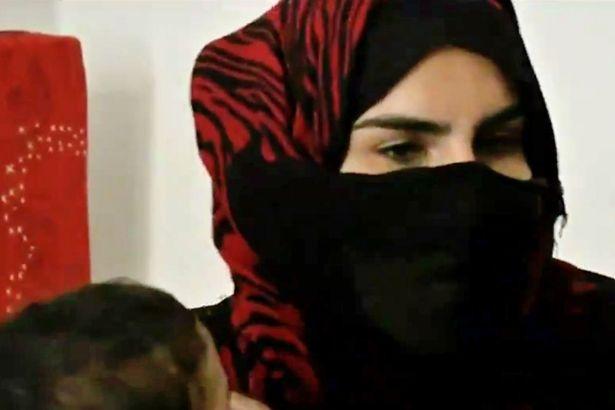 Vợ khủng bố IS phát ghen với nô lệ tình dục của chồng - 3