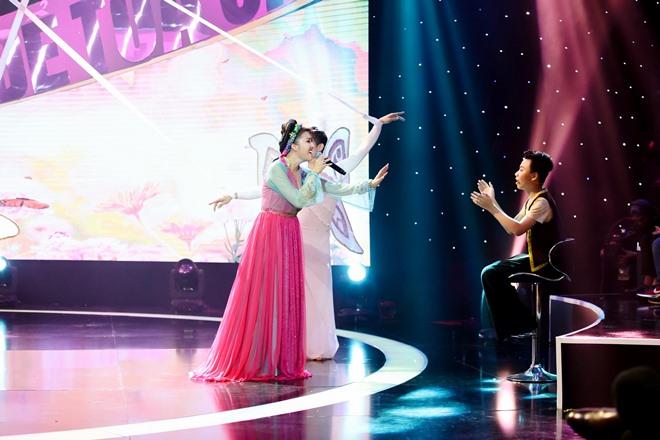 Phi Thanh Vân hát hụt hơi trên sóng truyền hình vẫn tươi rói - 2