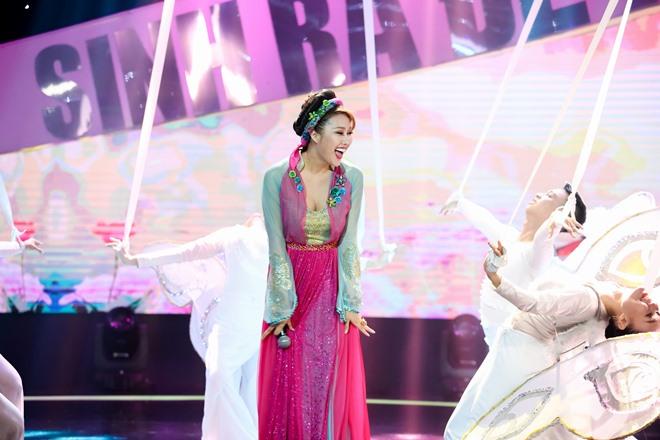 Phi Thanh Vân hát hụt hơi trên sóng truyền hình vẫn tươi rói - 1