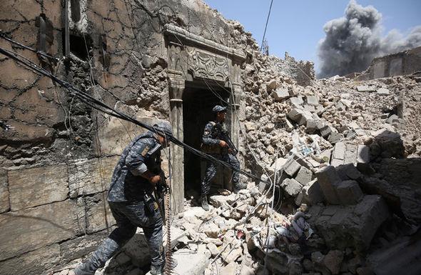 Chỉ huy IS bị thiêu sống vì nói thủ lĩnh tối cao đã chết - 2