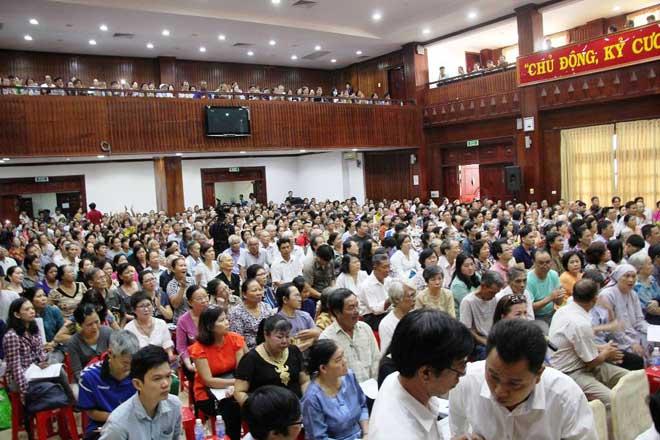 Ông Đoàn Ngọc Hải đối thoại với người dân khu Mả Lạng, quận 1 - 1