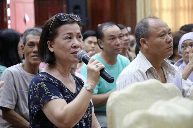 Ông Đoàn Ngọc Hải đối thoại với người dân khu Mả Lạng, quận 1 - 2