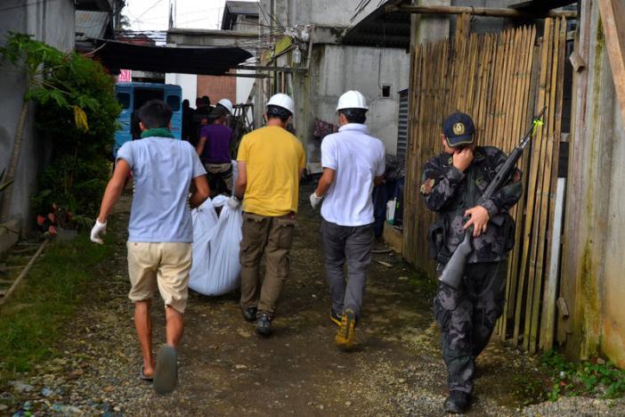 """""""Biệt đội cảm tử"""" coi thường đạn của IS ở Philippines - 1"""