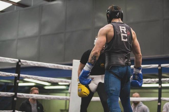 """Mayweather vào hộp đêm thác loạn, coi McGregor là """"cái đinh"""" - 3"""