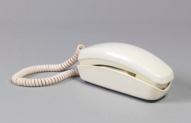 """80 năm phát triển của chiếc điện thoại """"thu nhỏ"""" trong 10 bức ảnh này - 3"""