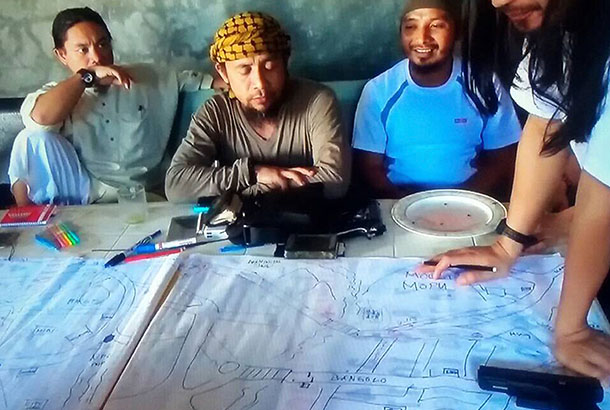Philippines: IS ép con tin tìm kho báu, thu về 227 tỷ đồng - 3