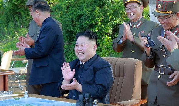 Triều Tiên bắn tên lửa đạn đạo từ gần biên giới TQ - 2