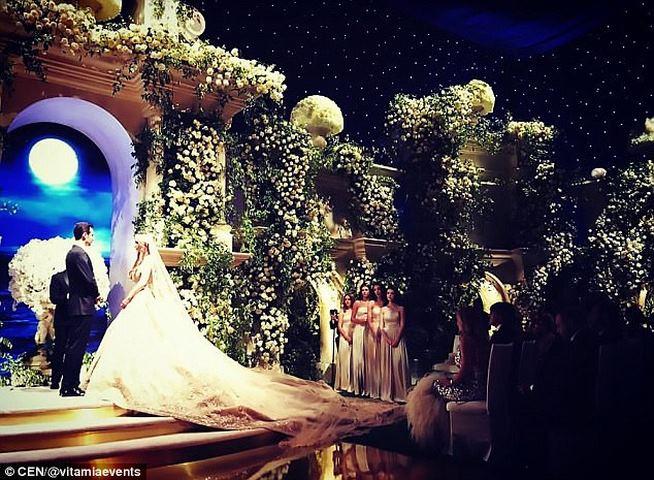 """Hai triệu phú Nga """"đốt"""" 220 tỉ làm đám cưới cho con - 1"""