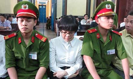 'Siêu lừa' Huỳnh Thị Huyền Như bị điều tra tội tham ô - 1
