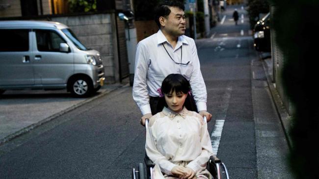 """Đàn ông Nhật nghiện yêu vợ """"nhựa"""" hơn vợ thật - 2"""