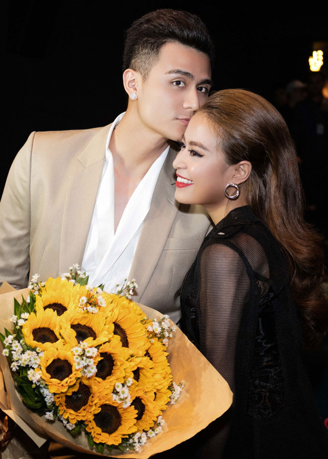 """Hoàng Thùy Linh """"lép vế"""" nhan sắc mẹ chồng tương lai - 8"""
