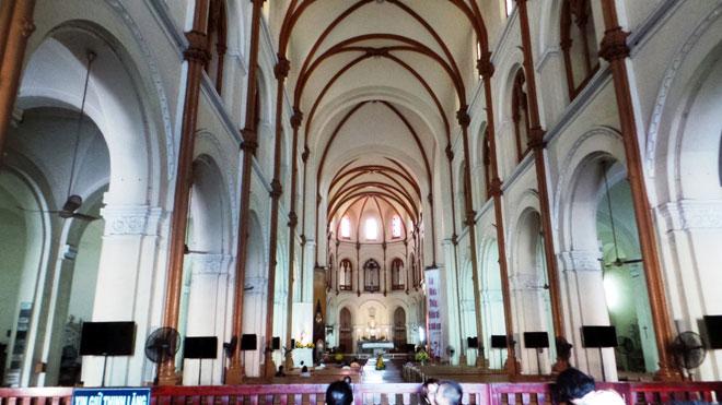 Ngắm Nhà thờ Đức Bà 140 năm tuổi ở Sài Gòn trước ngày trùng tu - 9