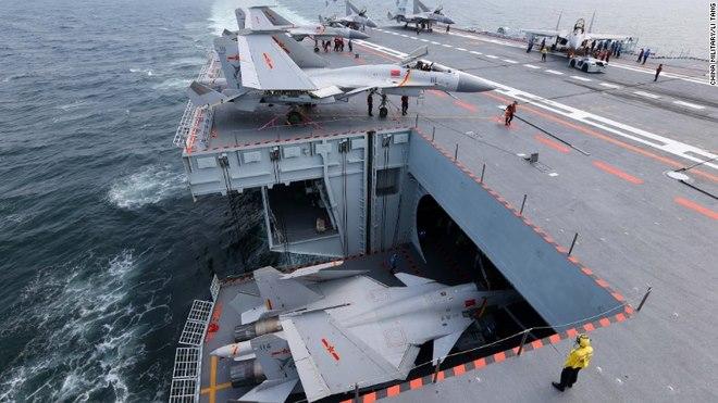 Lần hiếm hoi thế giới được nhìn thấy tàu sân bay TQ - 3