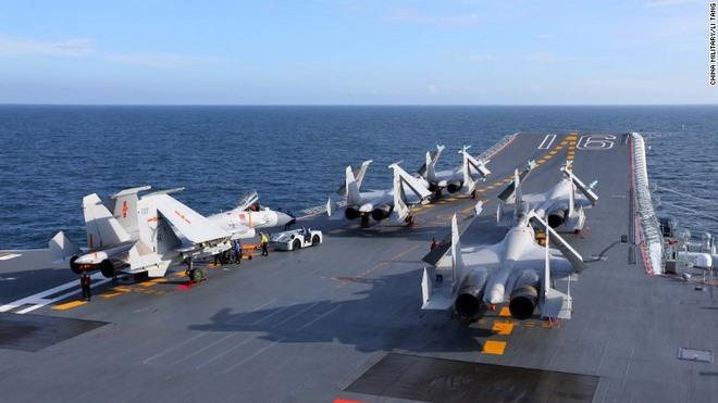 Lần hiếm hoi thế giới được nhìn thấy tàu sân bay TQ - 4