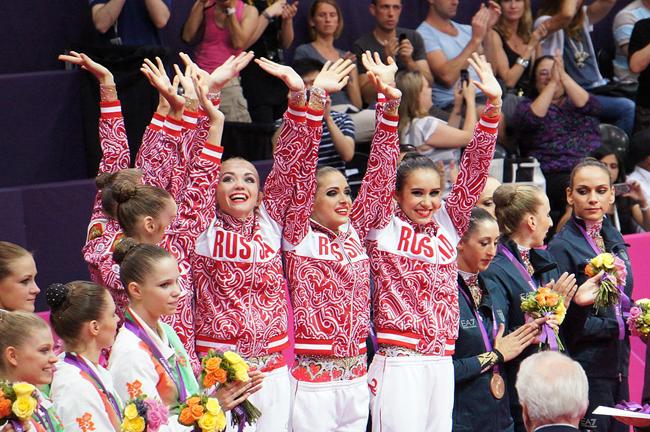 Cô cùng 3 đồng đội khác đã nỗ lực chiến đấu để mang về tấm huy chương quý hơn vàng cho Nga tại London.