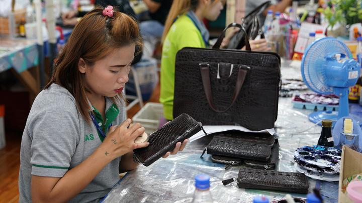 Choáng với ngành công nghiệp nuôi cá sấu ở Thái Lan - 12