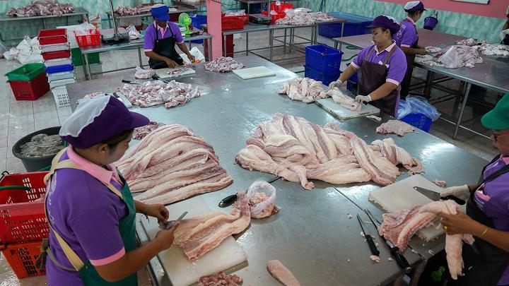 Choáng với ngành công nghiệp nuôi cá sấu ở Thái Lan - 10