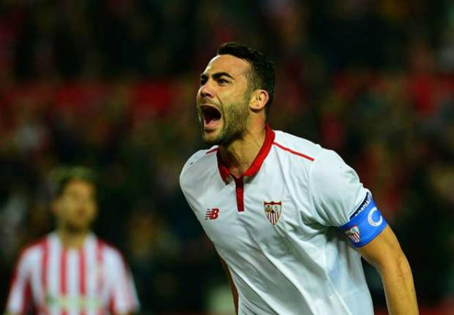 Tin HOT bóng đá tối 4/7: Leicester mua đội trưởng Sevilla - 1