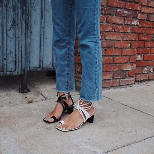 """Bây giờ người ta không gọi là """"đôi giày"""" nữa rồi... - 6"""
