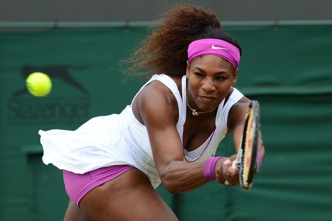 Venus, Serena Williams mặc hớ hênh, khó hiểu nhất Wimbledon - 1