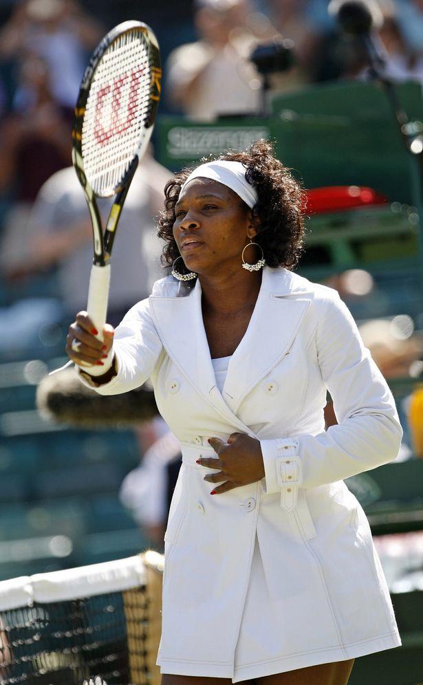 Venus, Serena Williams mặc khó hiểu nhất Wimbledon - 4