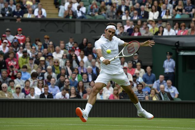 Venus, Serena Williams mặc khó hiểu nhất Wimbledon - 5