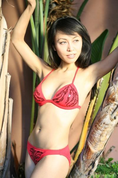 Người đẹp gốc Việt làm mẫu nude bàn tiệc sushi quá nóng bỏng - 5