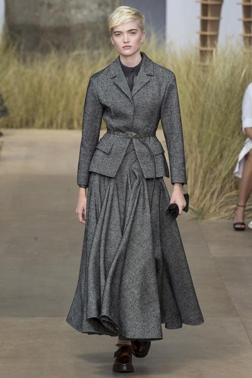 """Váy áo siêu đắt """"chưa xắt ra miếng"""" của Dior Haute Couture 2017 - 4"""