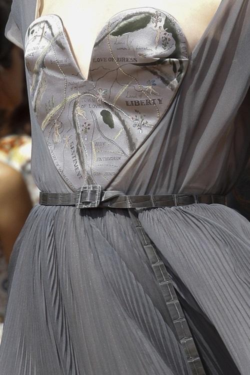 """Váy áo siêu đắt """"chưa xắt ra miếng"""" của Dior Haute Couture 2017 - 6"""