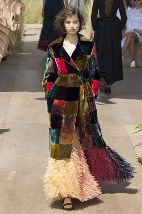 """Váy áo siêu đắt """"chưa xắt ra miếng"""" của Dior Haute Couture 2017 - 15"""
