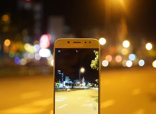 """3 chữ """"Không"""" đầy cá tính của Galaxy J7 Pro - 2"""