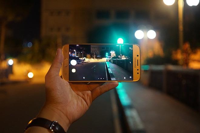 """3 chữ """"Không"""" đầy cá tính của Galaxy J7 Pro - 1"""