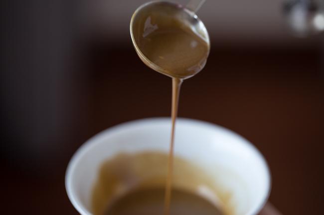 Đậu đũa luộc rưới sốt mè ngọt bùi, thanh tịnh cho bữa chay ngày Rằm - 2