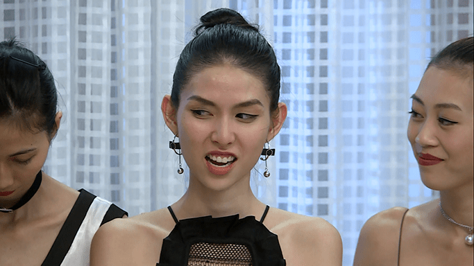 """Dung nhan """"ác nữ xắt xéo"""" đang hot nhất Next Top Việt - 3"""