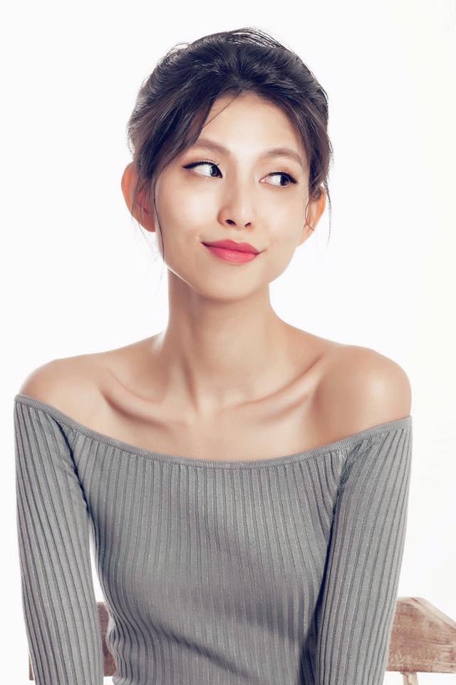 """Dung nhan """"ác nữ xắt xéo"""" đang hot nhất Next Top Việt - 8"""